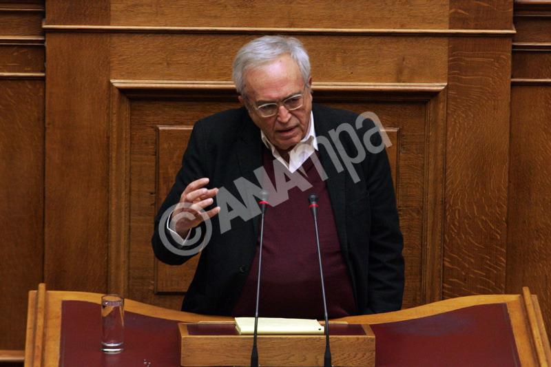 Ο υπουργός Παιδείας, Πολιτισμού και Θρησκευμάτων Αριστείδης Μπαλτάς μιλά κατά τη διάρκεια της συζήτησης στην Ολομελεια της Βουλής,  των προγραμματικώνν δηλωσεων της Κυβέρνησης, Δευτέρα 9 Φεβρουαρίου 2015. ΑΠΕ - ΜΠΕ/ΑΠΕ - ΜΠΕ/Αλέξανδρος Μπελτές
