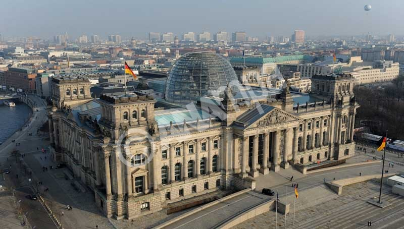 epa03149017 An aerial view of the Reichstag building in Berlin, Germany, 17 March 2012. Joachim Gauck, a former human rights campaigner, is set to become Germany