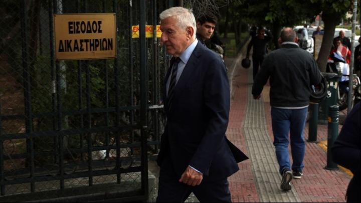 aef71aceb97 Ενώπιον των ανακριτών Διαφθοράς έχουν κληθεί να απολογηθούν σήμερα ο πρώην  υπουργός Εθνικής 'Αμυνας, Γιάννος Παπαντωνίου, και η σύζυγος του, ...