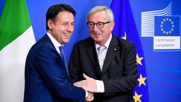Ο Ιταλός πρωθυπουργός Τζουζέπε Κόντε δείπνησε στις Βρυξέλλες με τον πρόεδρο  της Ευρωπαϊκής Επιτροπής Ζαν Κλοντ Γιούνκερ f83dfe7f7e4