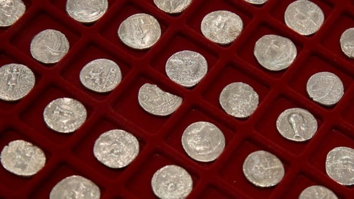 Ten ancient Greek coins returning to Greece from the US
